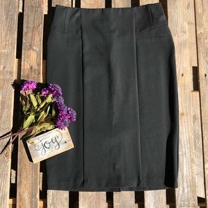 🎈NEW LISTING! 7th Ave. NY&CO Black Skirt Size 10
